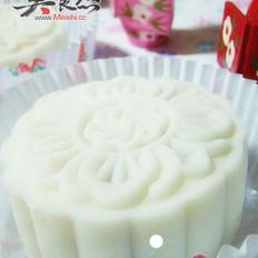 牛肉栗蓉豆沙椰奶冰皮月饼