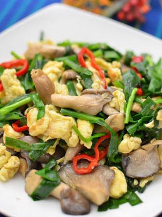 韭菜平菇炒鸡蛋的做法