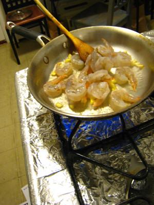 荷兰豆炒虾仁的简单做法