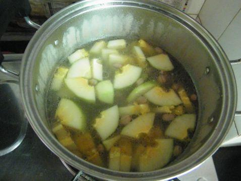 木瓜炖排骨怎么炒