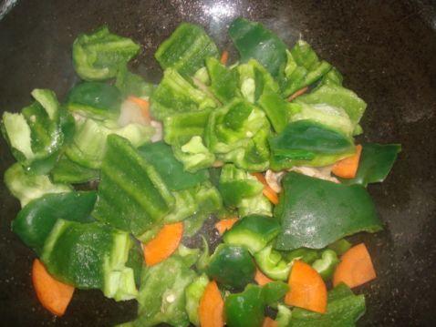青椒炒肉片的简单做法