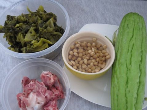 黄豆苦瓜咸菜叶汤的做法大全