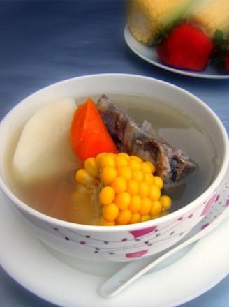 玉米胡萝卜脊骨汤的做法