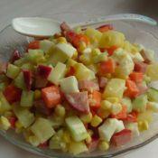 蛋黄鲜蔬沙拉