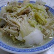 金针菇鲜蘑烩白菜