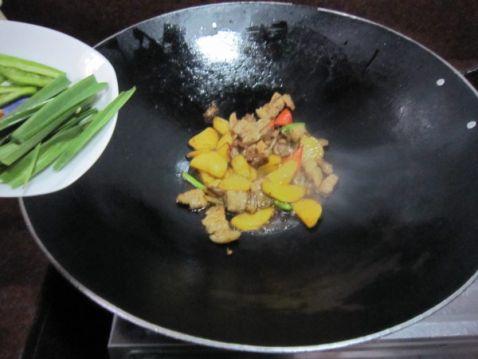 土豆片烧肉怎样做