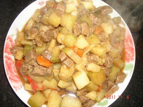 牛肉炖萝卜土豆怎么煮