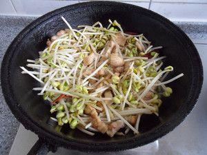 豆芽肉丝炒饼怎么吃