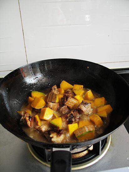南瓜豆豉炒排骨怎样炒