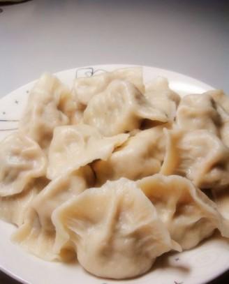 槐花猪肉饺子的做法