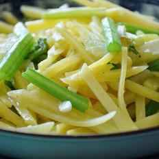 土豆炒芹菜