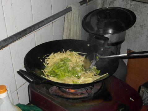 芹菜土豆丝的简单做法