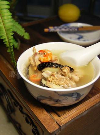 鸭肉鲍鱼干汤的做法