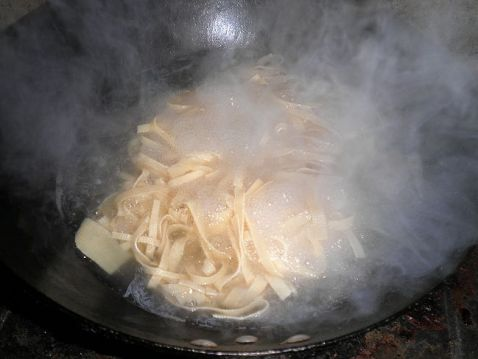花生豆腐丝拌豆苗的做法图解