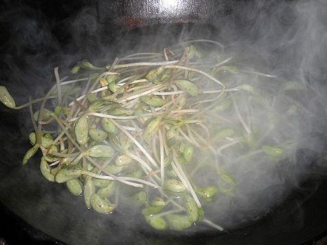 花生豆腐丝拌豆苗的简单做法