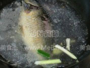 清炖鲫鱼汤的简单做法