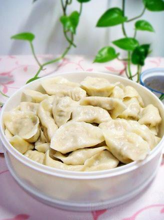 猪肉鲜蘑馅饺子的做法