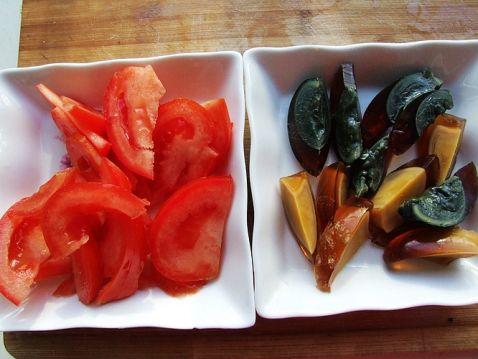 番茄皮蛋粉丝汤的家常做法