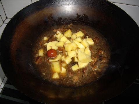 红烧肉土豆怎么炖