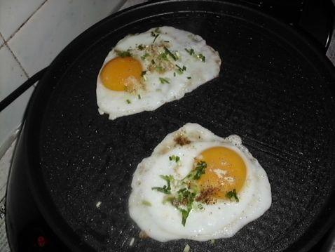 烧烤荷包蛋的做法【步骤图】_菜谱_美食杰
