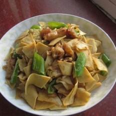 辣椒油条炒干豆腐