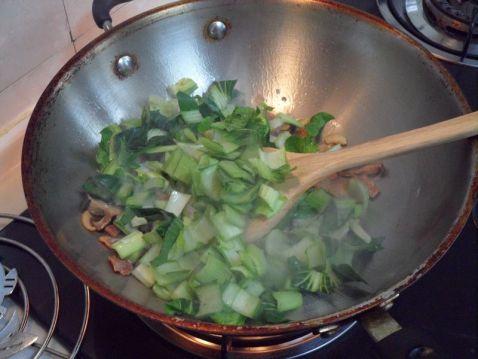 香菇青菜粉干怎么炒