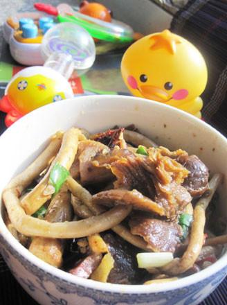 干煸腊肉茶树菇的做法