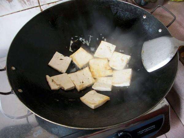蒜苗炒豆腐的做法图解