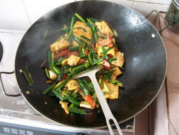 蒜苗炒豆腐怎么做