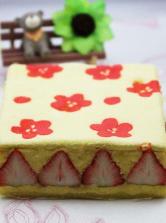 草莓印花蛋糕的做法