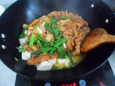 蒜苗酥菜炖豆腐怎么煮