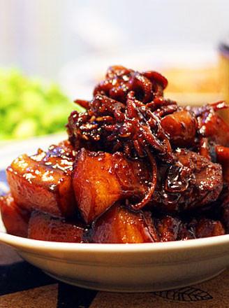 鲜墨鱼焖五花肉的做法