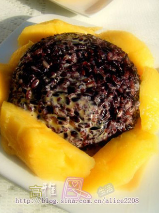 芒果椰汁糯米飯的做法