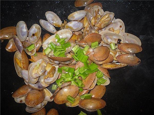 老干妈炒花蛤的简单做法