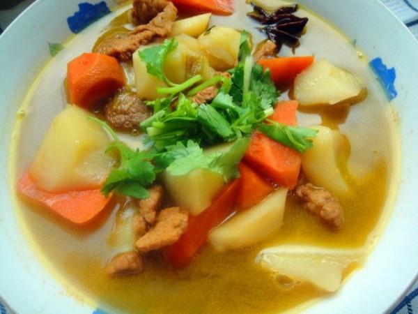 猪肉炖土豆胡萝卜怎么煮