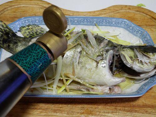宁式清蒸鳜鱼的做法【步骤图】_菜谱_美食杰