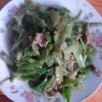 青椒肉丝炒竹叶菜梗