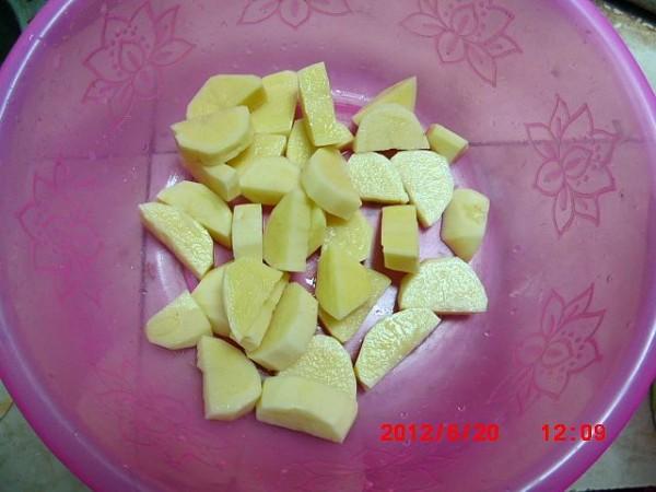 土豆炖鸡的家常做法