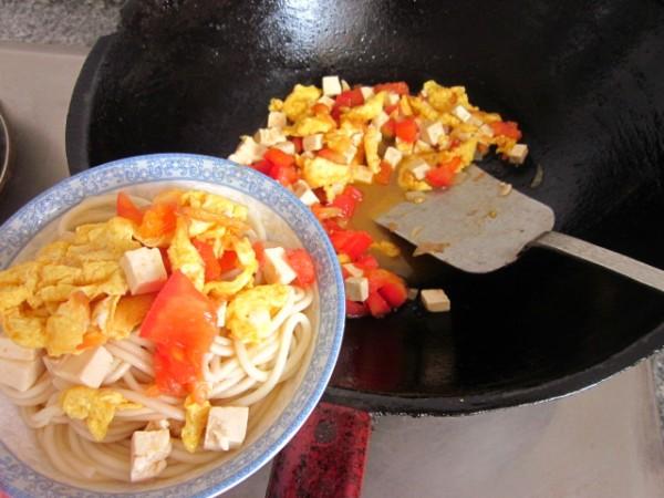鸡蛋豆腐打卤面怎样做