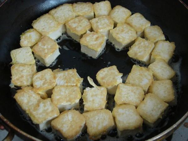 金枪鱼咖喱豆腐的简单做法