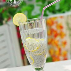 柠檬兰香子冻饮
