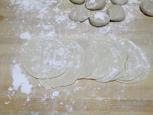 海米芹菜猪肉水饺的制作