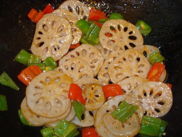 番茄酱伴藕片怎样做