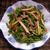 蒜苔香干炒肉丝