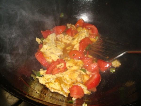 西红柿辣椒炒鸡蛋怎么吃