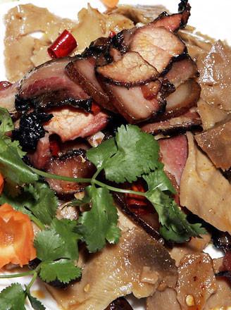 湘西蒸腊肉的做法