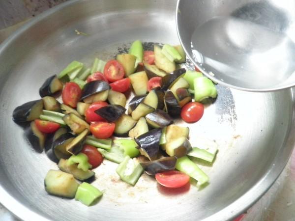 西红柿青椒炒茄子怎么煮