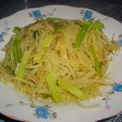 土豆絲炒芹菜絲