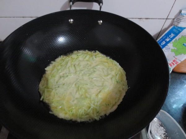 青瓜鸡蛋软饼怎么炒