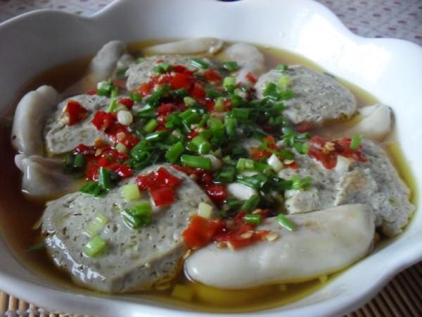 剁椒臭豆腐蒸目鱼蛋的简单做法